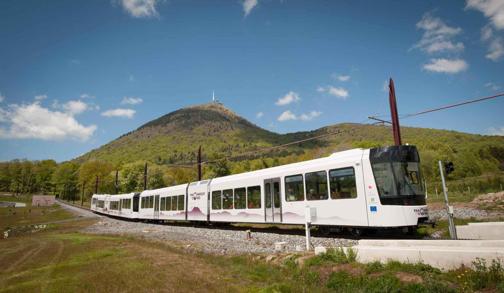 「chaine des puys Train」の画像検索結果